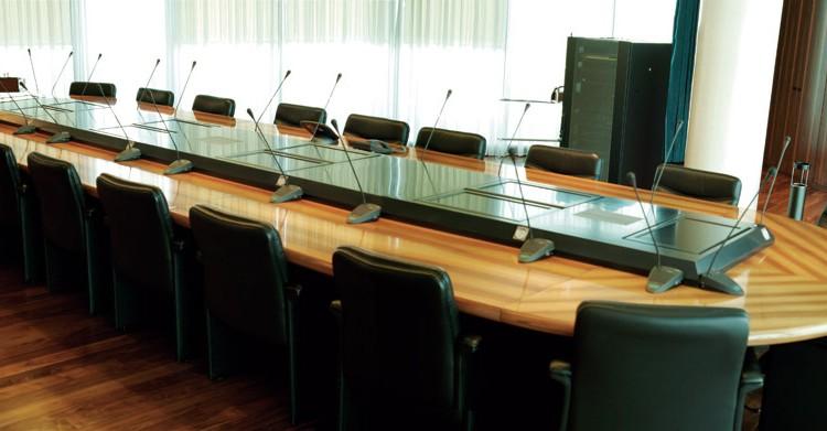 sala-reuniones-mesa