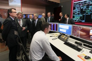 Artus Mas visitas la Sala de Control de Estabanell donde participa GESAB tnb