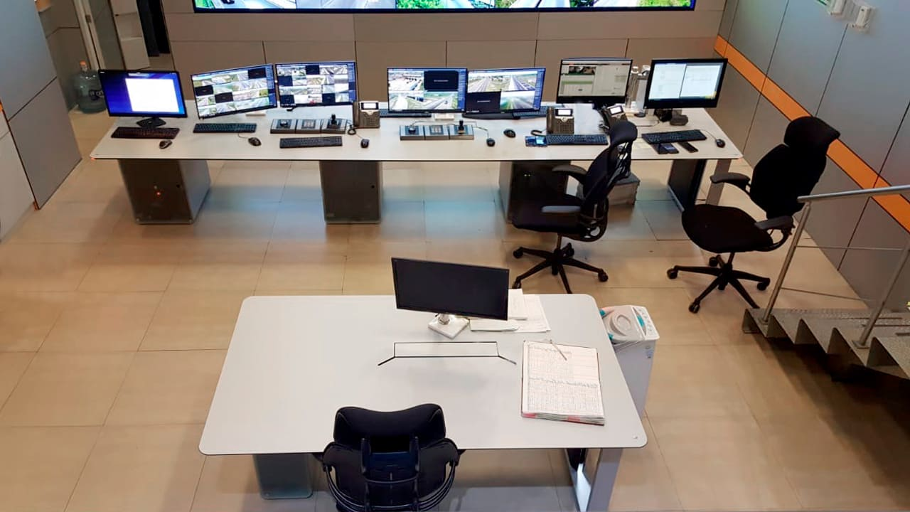 Consolas centro de control CEM